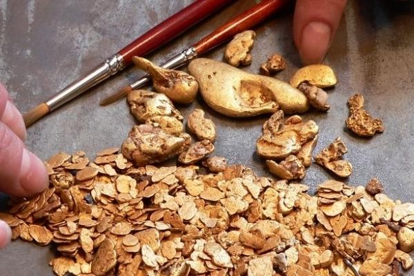 Добыча золота в Либерии