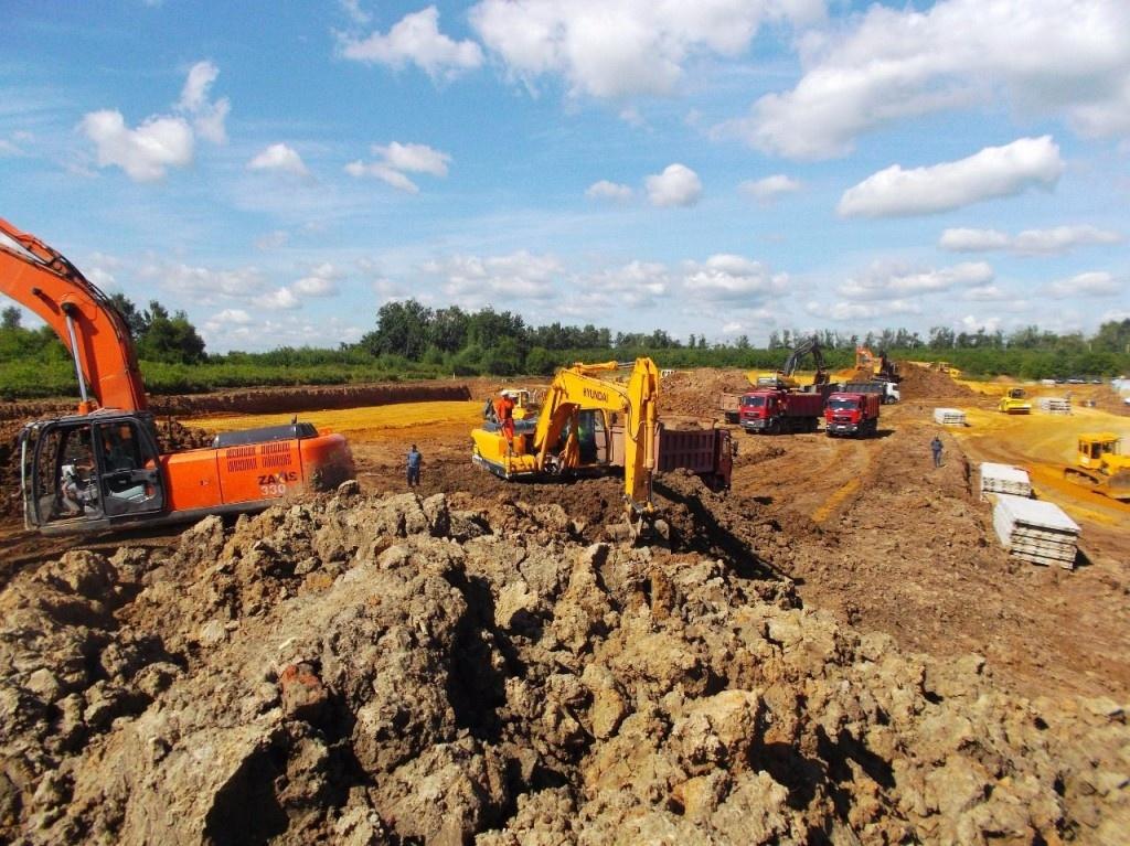 Разработка грунта и подготовка площадки.